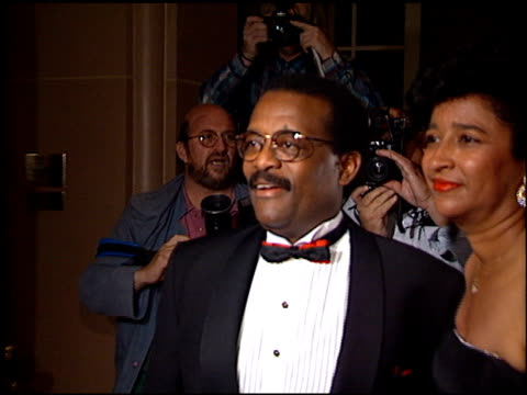 johnnie l cochran, jr at the 1995 golden bell awards at the regent beverly wilshire hotel in beverly hills, california on september 20, 1995. - johnnie cochran stock videos & royalty-free footage