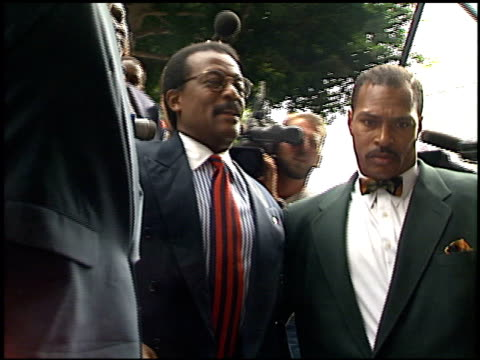 johnnie l cochran, jr at the simpson trial exteriors at downtown in los angeles, california on september 28, 1995. - johnnie cochran stock videos & royalty-free footage
