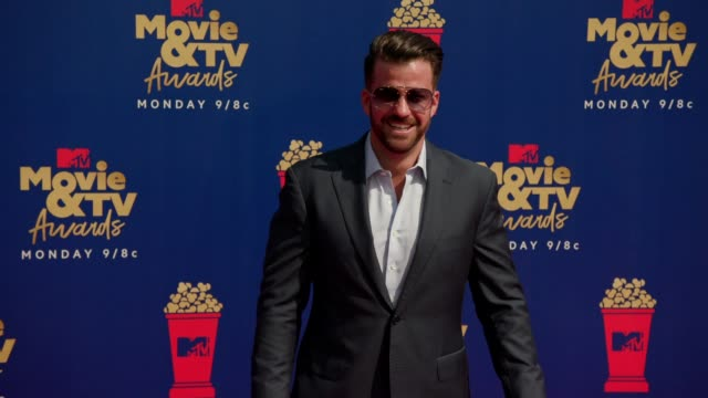 johnny bananas at the 2019 mtv movie tv awards at barkar hangar on june 15 2019 in santa monica california - mtv movie & tv awards stock videos & royalty-free footage