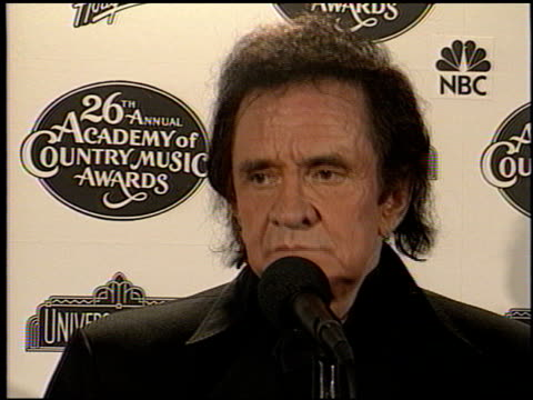 johnny cash at the country music awards 1991 at universal amphitheatre in universal city, california on april 24, 1991. - johnny cash stock videos & royalty-free footage