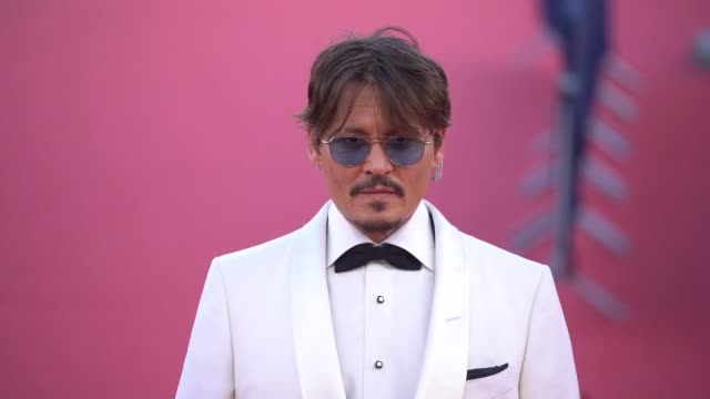 johnny depp andrea iervolino mark rylance monika bacardi catherine deneuve and more on the red carpet of the 2019 deauville film festival - mark rylance stock-videos und b-roll-filmmaterial