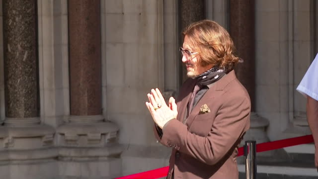 johnny depp arriving at the high court for libel case against the sun newspaper who described him as a wife beater in his relationship to amber heard - justice concept stock videos & royalty-free footage