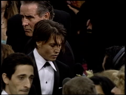 Johnny Depp at the 2004 Academy Awards Arrivals at the Kodak Theatre in Hollywood California on February 29 2004