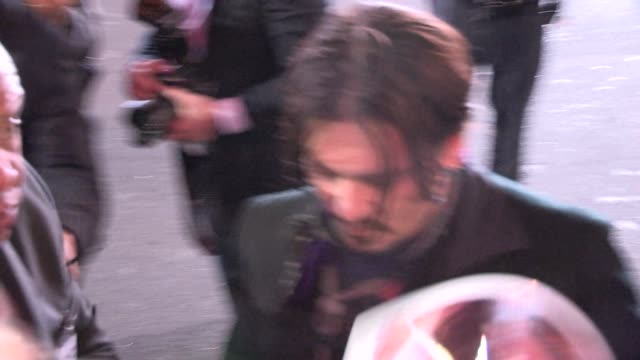 Johnny Depp greeting fans at the Mortdecai Premiere in Hollywood in Celebrity Sightings in Los Angeles
