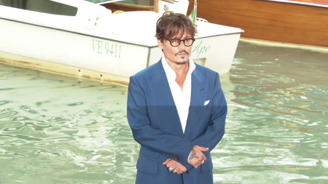 johnny depp mark rylance gana bayarsaikhan at celebrity sightings in venice on september 06 2019 in venice italy - 76th venice film festival 2019点の映像素材/bロール