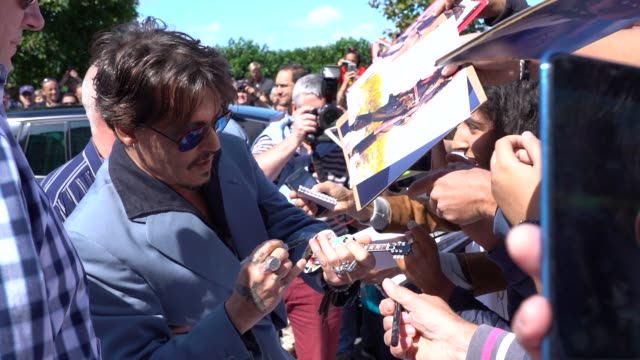 johnny depp signing autographs and posing with fans at the 2019 deauville film festival sunday 8th september 2019 deauville france - johnny depp stock videos & royalty-free footage
