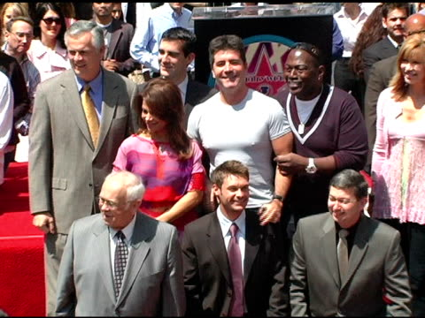 johnny grant ryan seacrest leron gubler mayor james hahn councilman eric garcetti paula abdul simon cowell randy jackson and leeza gibbons at the... - ryan seacrest stock-videos und b-roll-filmmaterial