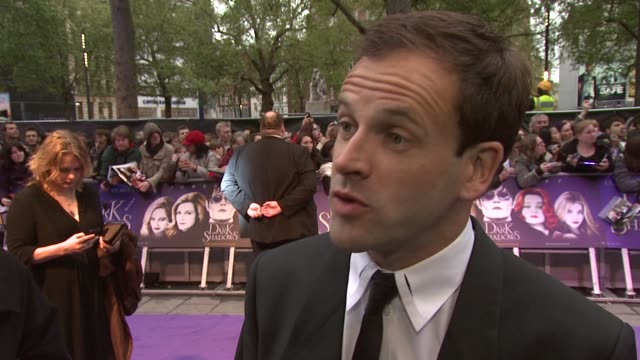 Johnny Lee Miller On Working With Tim Burton The Sets Tim Burtons Approach On Set The