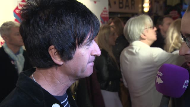 johnny marr at nme awards 2014 at brixton academy on february 24 2014 in london england - ジョニー マー点の映像素材/bロール