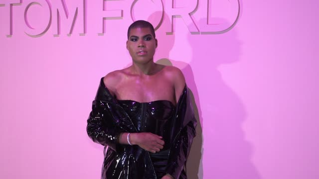 ej johnson at tom ford new york fashion week spring 2018 at park avenue armory on september 06 2017 in new york city - waffenlager stock-videos und b-roll-filmmaterial