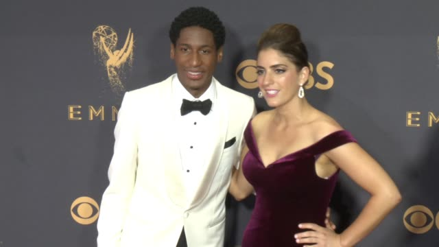 jon batiste at the 69th annual primetime emmy awards at microsoft theater on september 17, 2017 in los angeles, california. - annual primetime emmy awards stock-videos und b-roll-filmmaterial