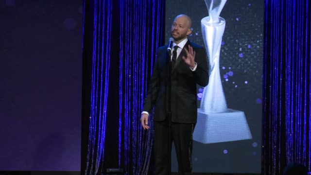 speech jon cryer at the 43rd annual gracie awards at the beverly wilshire four seasons hotel on may 22 2018 in beverly hills california - jon cryer video video stock e b–roll