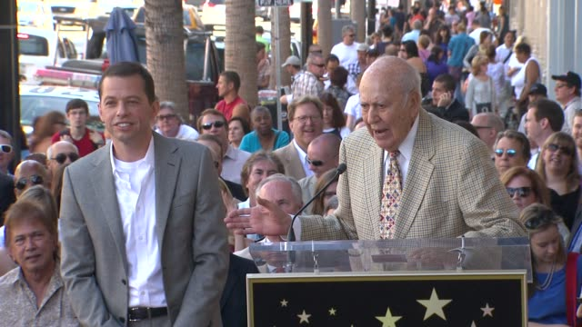 jon cryer carl reiner at the jon cryer honored with star on the hollywood walk of fame at hollywood ca - jon cryer video video stock e b–roll