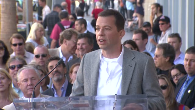 jon cryer tells a personal hollywood anecdote at the jon cryer honored with star on the hollywood walk of fame at hollywood ca - jon cryer video video stock e b–roll