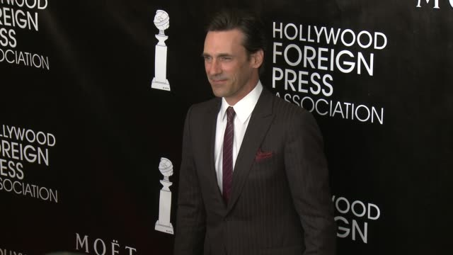 vídeos de stock, filmes e b-roll de jon hamm at the hollywood foreign press association's annual grants banquet dinner at the beverly wilshire four seasons hotel on august 13 2015 in... - four seasons hotel