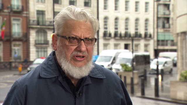 vidéos et rushes de jon lansman, founder of momentum, says that the labour reaction to anti-semitism has to be accepted as 'a collective failure', saying that the issue... - genre de la personne