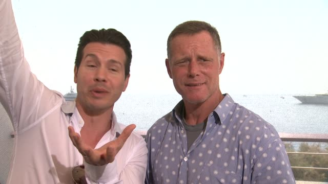 vidéos et rushes de interview jon seda jason beghe on being new yorkers always choosing new york pizza at 54th montecarlo television festival day 4 on june 10 2014 in... - seda
