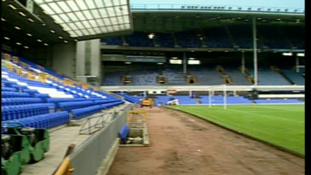 jon venables sentenced to two years for child sex offences; merseyside: liverpool: goodison park pitch and empty seats - ジョン ベナブルズ点の映像素材/bロール