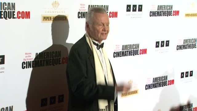 jon voight at american cinematheque's 27th annual award presentation honoring jerry bruckheimer in beverly hills ca on - american cinematheque stock videos & royalty-free footage