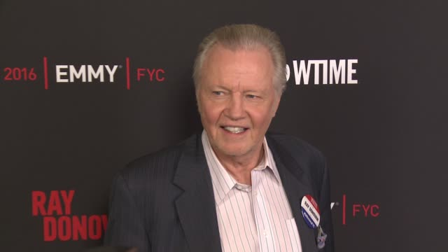 """jon voight at for your consideration screening and panel for showtime's """"ray donovan"""" - red carpet at paramount theater on the paramount studios lot... - showtime video stock e b–roll"""