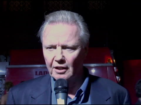 jon voight at the 'ladder 49' premiere interviews at the el capitan theatre in hollywood, california on september 20, 2004. - el capitan theatre stock videos & royalty-free footage