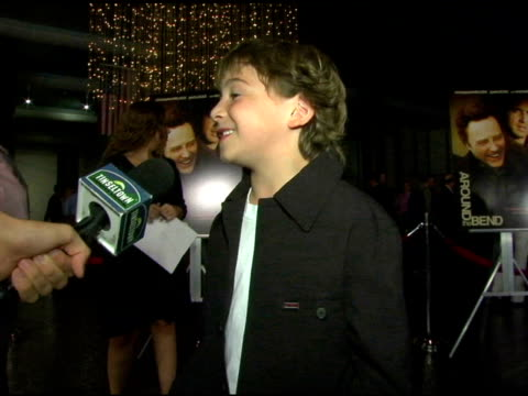 jonah bobo at the 'around the bend' premiere at directors guild of america in hollywood, california on september 21, 2004. - アメリカ監督組合点の映像素材/bロール