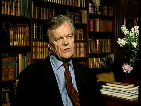 jonathan aitken libel trial:; itn england: london: int alan clark mp intvw sot - one of clearest mind/ hosted seminars where very distinguished... - 文書による名誉棄損点の映像素材/bロール