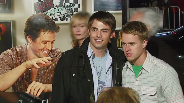jonathan bennett and randy wayne at the 'music and lyrics' premiere at grauman's chinese theatre in hollywood, california on february 7, 2007. - randy wayne stock videos & royalty-free footage