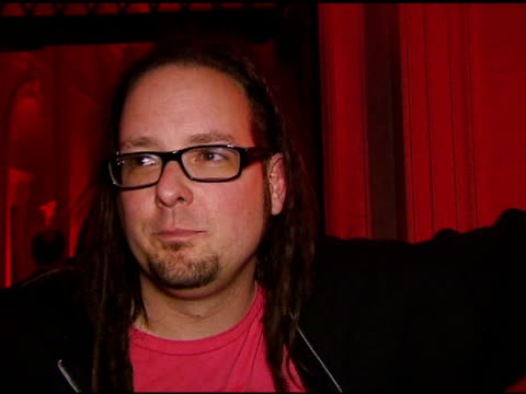 jonathan davis on being a fan of video games, the party at the cemetary at the xbox 360 'gears of war' launch at hollywood forever cemetery in los... - ギアーズオブウォー点の映像素材/bロール