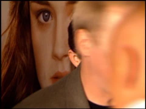 jonathan jackson at the 'tuck everlasting' premiere at the el capitan theatre in hollywood, california on october 5, 2002. - el capitan kino stock-videos und b-roll-filmmaterial
