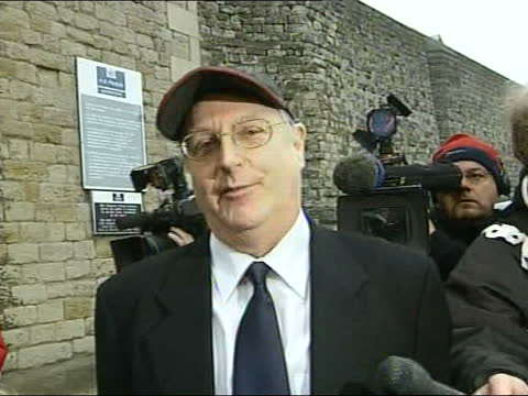 jonathan king released from prison; england: kent: maidstone prison: ext jonathan king leaving prison zoom in as he poses for pix with thumbs up pull... - prison stock videos & royalty-free footage