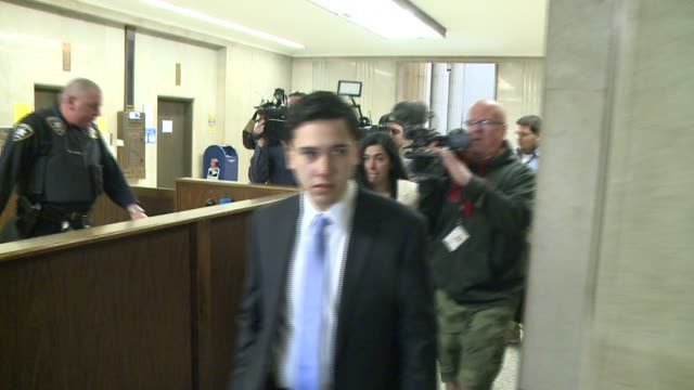 jonathan lopez leaves courtroom to join family after hearing his verdict authorities said the 25 year old officer was driving drunk at the time of... - 宣告点の映像素材/bロール