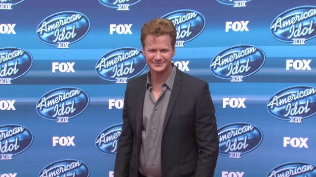 "jonathan mangum at the ""american idol"" xiv grand finale - arrivals at dolby theatre on may 13, 2015 in hollywood, california. - the dolby theatre stock videos & royalty-free footage"