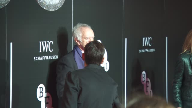 jonathan pryce at british film institute - luminous fundraising gala at the guildhall on october 06, 2015 in london, england. - ジョナサン・プライス点の映像素材/bロール