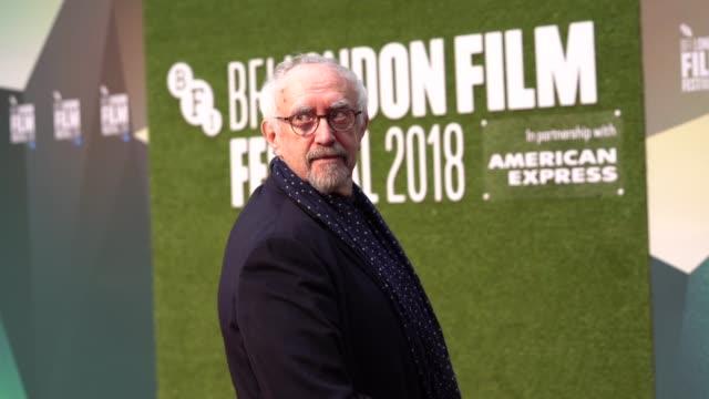 jonathan pryce at 'the man who killed don quixote' uk premiere - 62nd bfi london film festival on october 15, 2018 in london, england. - ジョナサン・プライス点の映像素材/bロール