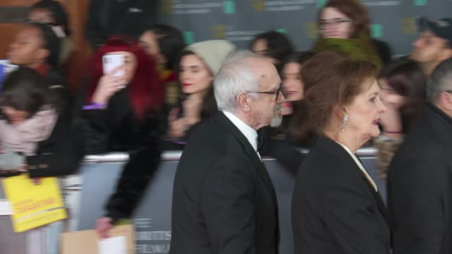 jonathan pryce attends the ee british academy film awards 2020 - red carpet arrivals at royal albert hall on february 2, 2020 in london, england. - ジョナサン・プライス点の映像素材/bロール