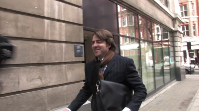 jonathan ross arrives to record one of his last shows with the bbc. at the celebrity video sightings in london at london england. - イギリスのブロードキャスター ジョナサン・ロス点の映像素材/bロール