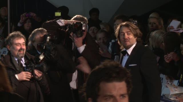 jonathan ross at the national television awards at london england. - イギリスのブロードキャスター ジョナサン・ロス点の映像素材/bロール