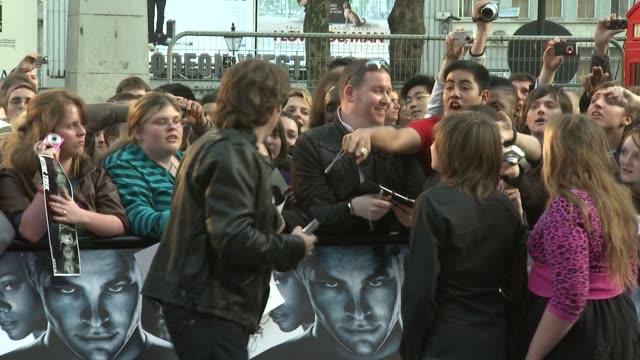 jonathan ross at the star trek uk premiere at london . - イギリスのブロードキャスター ジョナサン・ロス点の映像素材/bロール