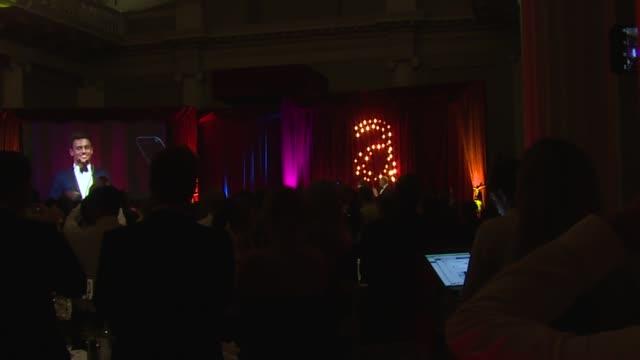 jonathan ross presents an award to tom daley at the attitude magazine awards on 13th october 2014 in london, england. - イギリスのブロードキャスター ジョナサン・ロス点の映像素材/bロール