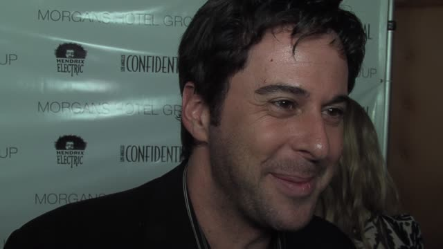 jonathan silverman on preparing for the red carpet as well as his upcoming projects at the los angeles confidential preoscar party hosted by hendrix... - pre party stock videos and b-roll footage