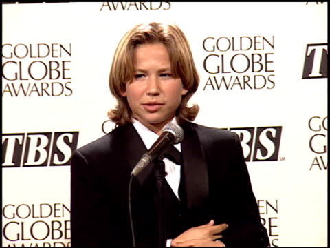 jonathan taylor thomas at the 1995 golden globe awards at the beverly hilton in beverly hills california on january 21 1995 - anno 1995 video stock e b–roll