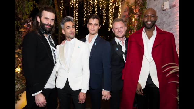 vídeos de stock, filmes e b-roll de jonathan van ness, tan france, antoni porowski, bobby berk, and karamo brown attend the after party for the premiere of netflix's 'queer eye' season... - karamo brown