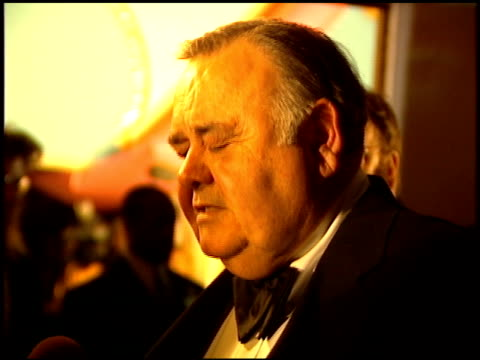 jonathan winters at the comedy awards 94 at the shrine auditorium in los angeles california on march 6 1994 - ジャーマンコメディアワード点の映像素材/bロール