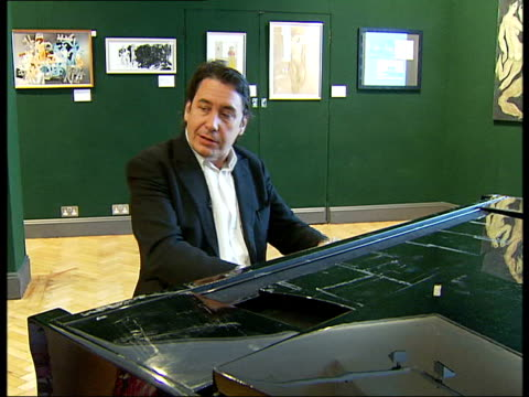 jools holland interview / playing piano; jools holland interview sot - on piano as first place that musicians try out musical ideas / on date of... - jools holland stock-videos und b-roll-filmmaterial
