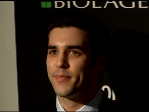 stockvideo's en b-roll-footage met jordan bridges at the entertainment weekly's viewing party for 2006 academy awards on march 5, 2006. - entertainment weekly