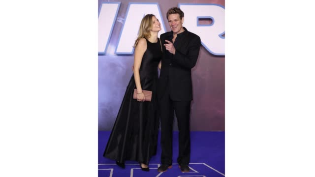 "jordan cornell and james cracknell kiss on the red carpet during the ""star wars: the rise of skywalker"" european premiere at cineworld leicester... - premiere stock videos & royalty-free footage"