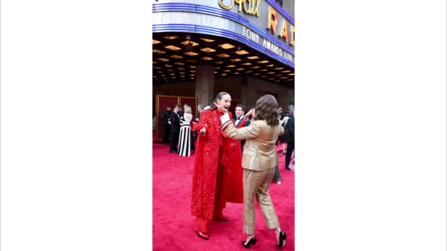 stockvideo's en b-roll-footage met jordan roth and tina fey attend the 73rd annual tony awards at radio city music hall on june 09 2019 in new york city - radio city music hall