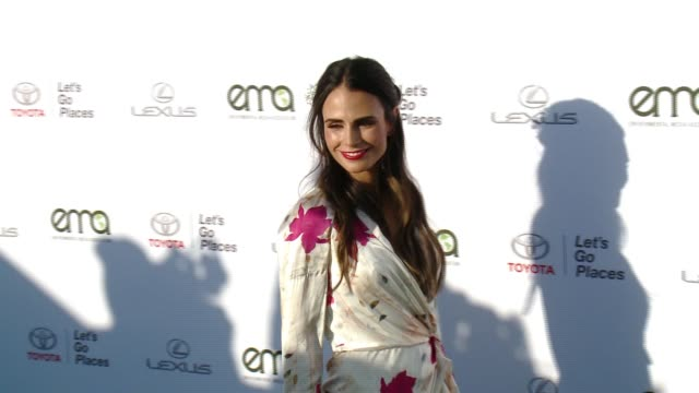 jordana brewster at the 27th annual environmental media association awards at barker hangar on september 23 2017 in santa monica california - barker hangar stock videos & royalty-free footage