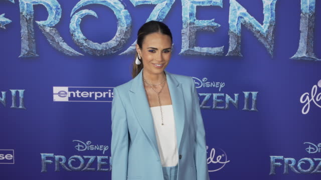 "jordana brewster at the ""frozen ii"" world premiere at dolby theatre on november 07, 2019 in hollywood, california. - jordana brewster stock videos & royalty-free footage"